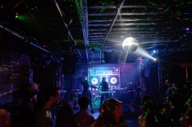 Music Room Magnum