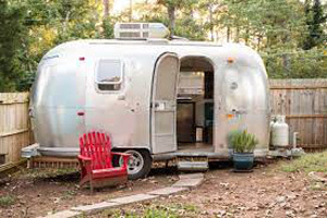 69 Airstream In The City (footer)